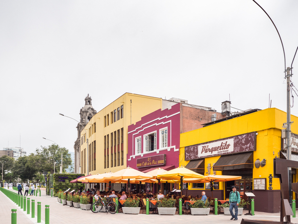 local dining in Peru