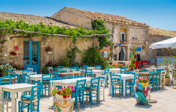 siracusa-italy-cafe